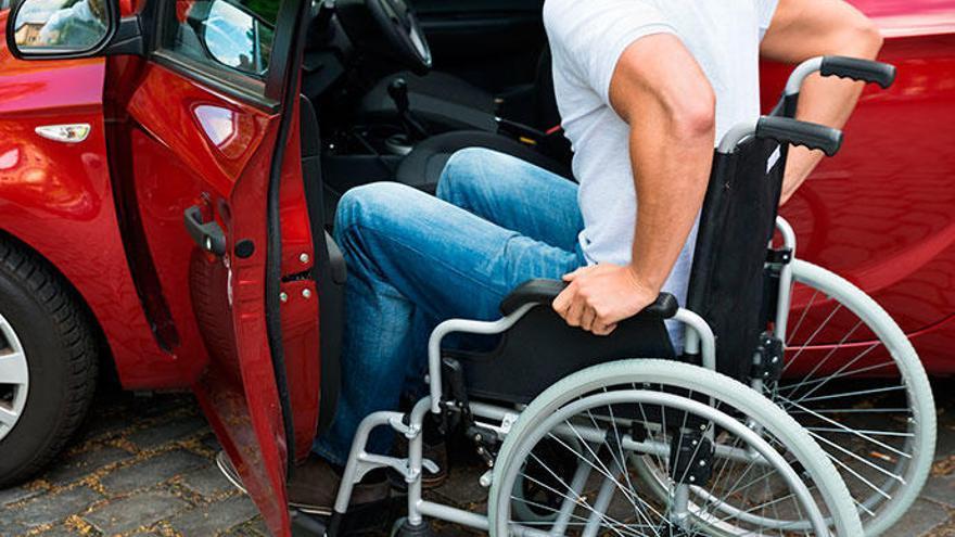 4 ámbitos sociales que ayudan a las personas con movilidad reducida en Alicante
