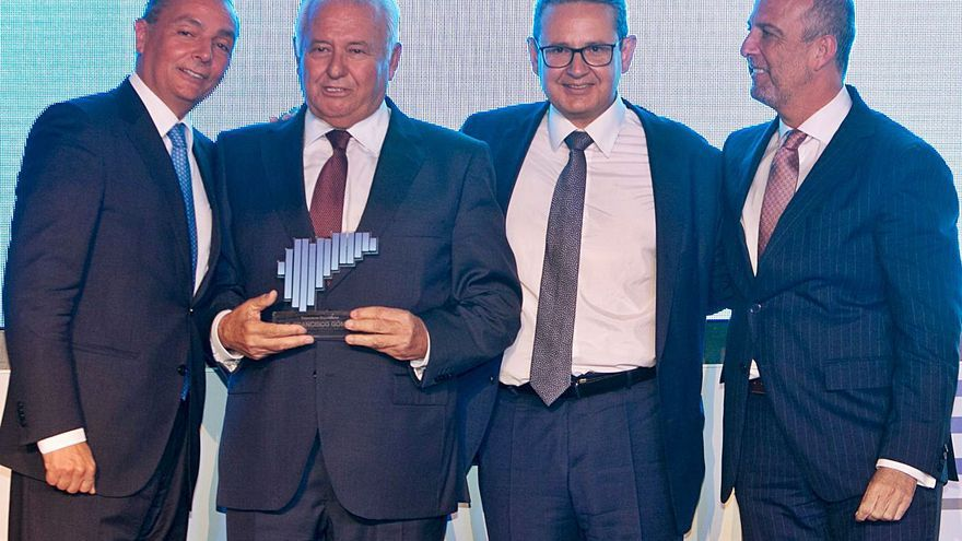 La patronal CEV amarra la integración de Uepal: da a Sellés un puesto en la directiva de Cepyme