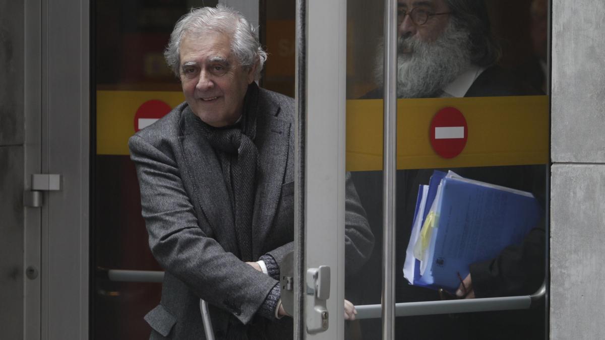 José Luis Iglesias Riopedre en uno de sus pasos por el Juzgado.