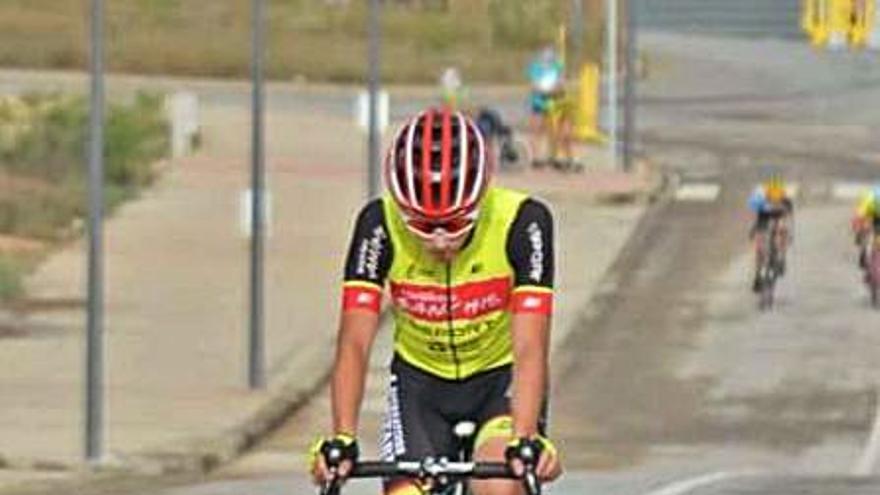 Eric Igual se lleva otro trofeo para Bicicletes Sanchis en Bétera