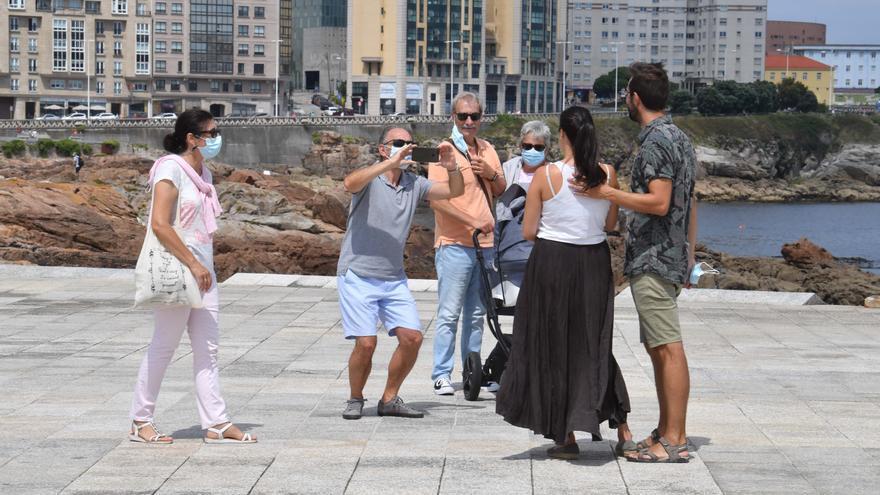 Galicia, a punto de bajar de 2.000 casos de COVID