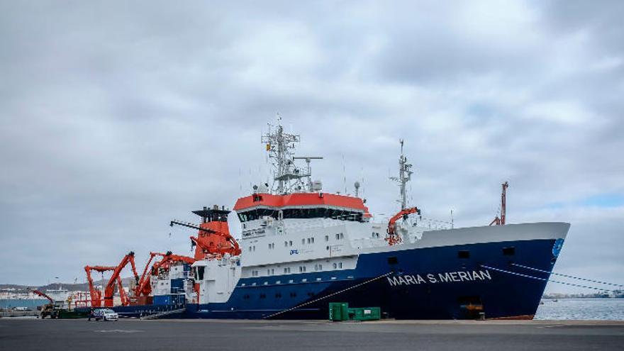 Un barco alemán cartografía los fondos del Sáhara para prevenir tsunamis