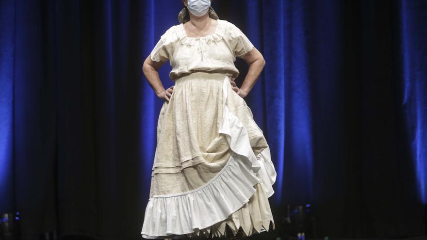 Tercer desfile de indumentaria tradicional Fallas Unesco (Tanda II)