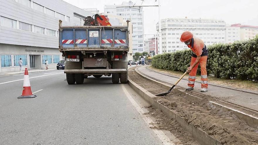 Empiezan las obras de la senda para correr del paseo y el carril 30 de Juan Flórez