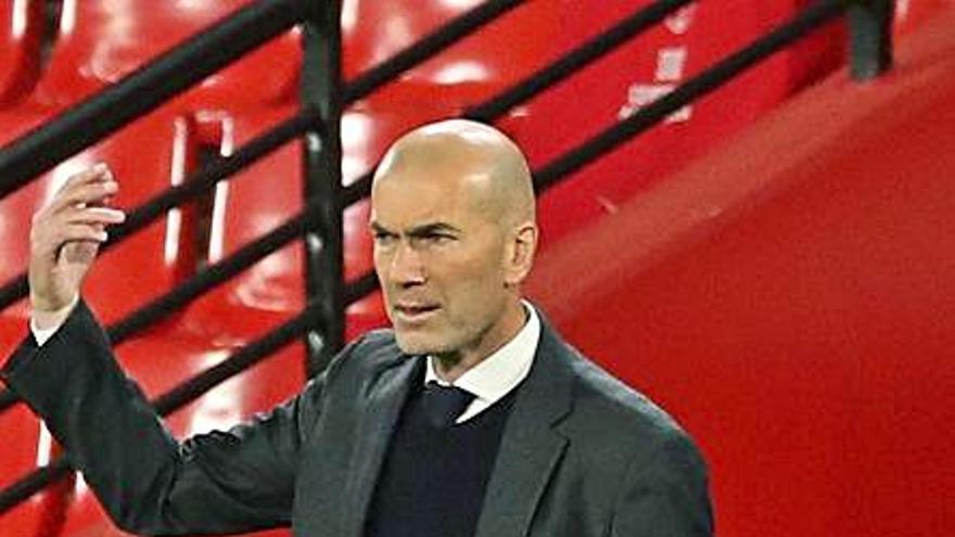 """Zidane: """"Hay momentos en los que tienes que estar y otros en los que se acabó"""""""