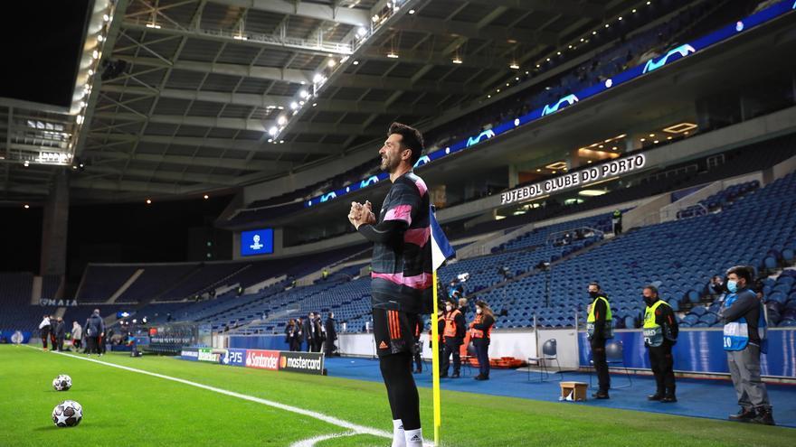 Buffon hace oficial su regreso al Parma dos décadas después