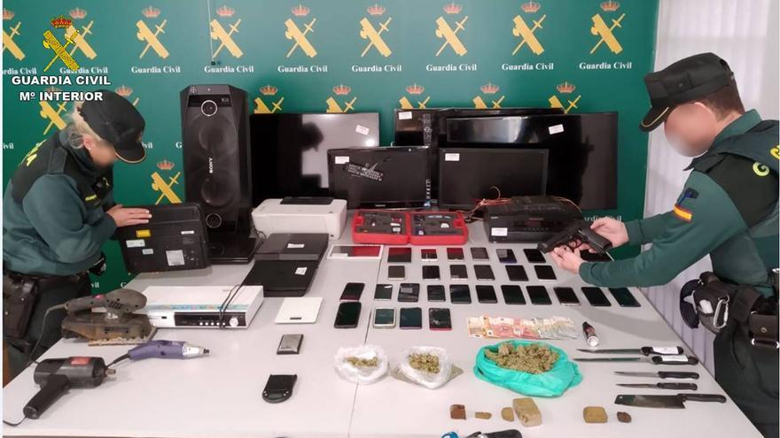 La Guardia Civil acaba con una banda en Torrevieja que robaba bolsos para comprar droga