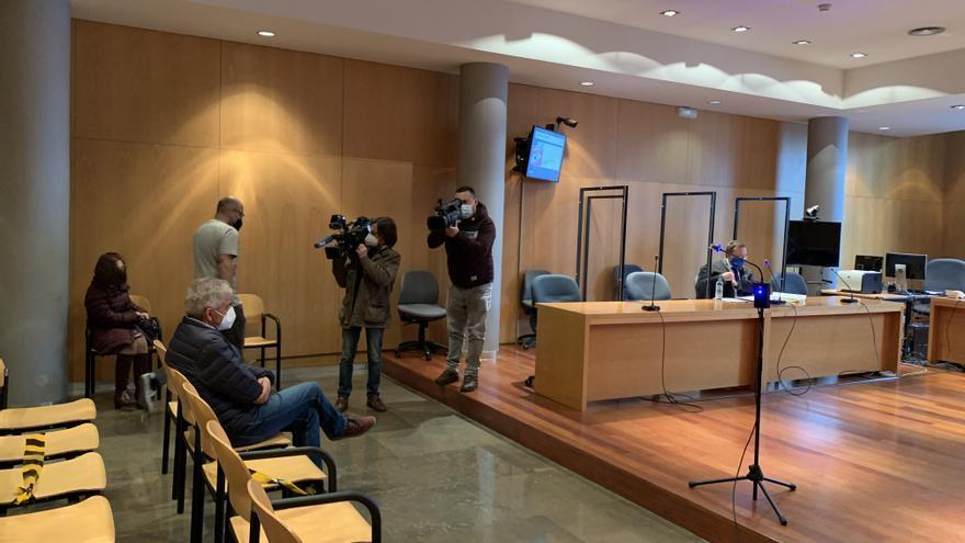"""""""Soy un tío honrado y ético, me siento despreciado y ninguneado"""", dice el Alcalde de Somiedo, juzgado por prevaricación en Oviedo"""