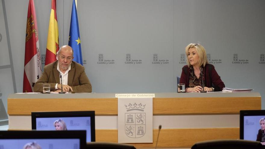 Castilla y León: La Junta contratará a residentes de último año y contará con jubilados para frenar el COVID-19