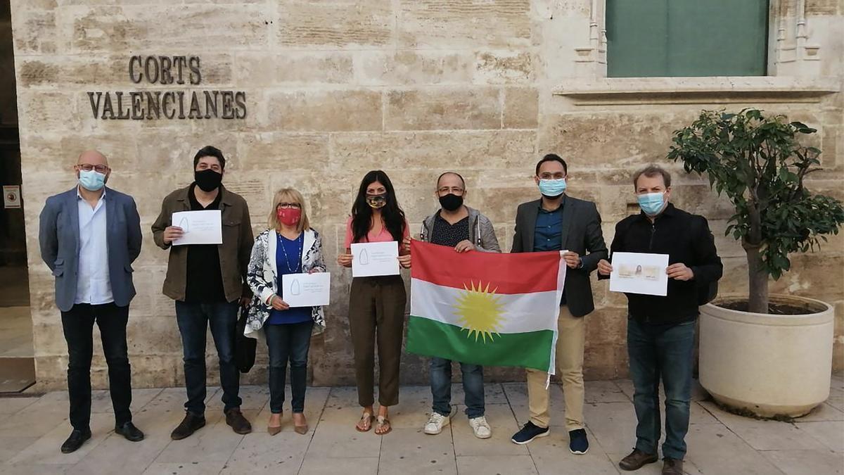Aprueban una PNL en las Corts en apoyo al kurdistan.