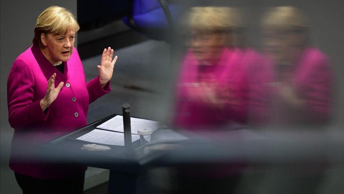 """Merkel alerta de una """"nueva pandemia"""" por la extensión de las mutaciones"""