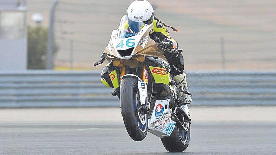 Pakita Ruiz deslumbra en Navarra tras imponerse en la Yamaha R6 Cup