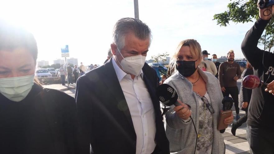 Roca y Muñoz reconocen fraude y prevaricación en su nueva visita al juzgado