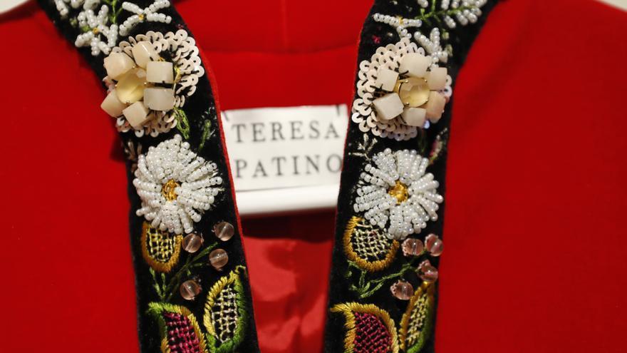 Las artísticas puntadas de Teresa Patiño: de los cuadros a la moda nupcial
