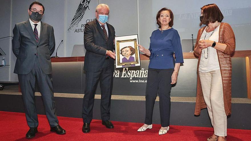 """María Luisa Corrada, """"Asturiana del mes"""" por su depósito en el Bellas Artes"""