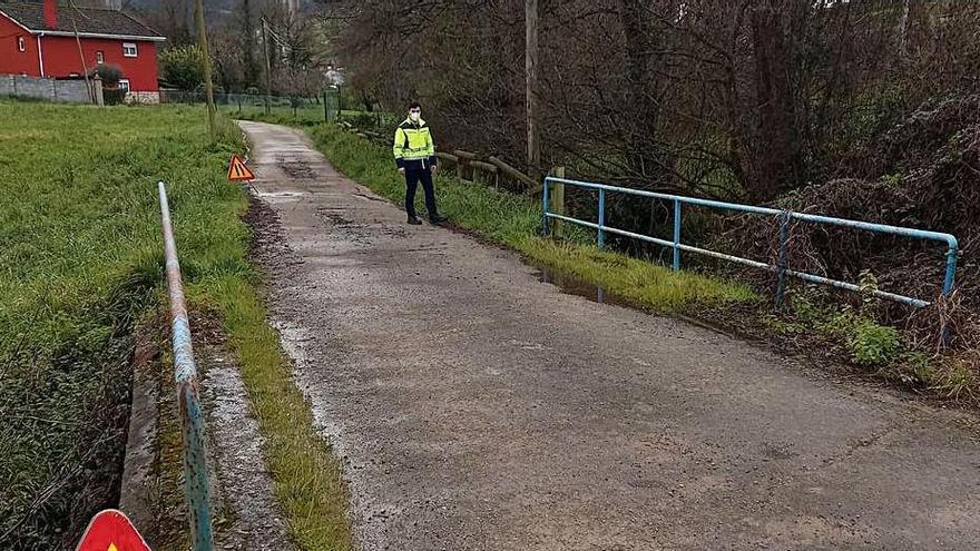 Acondicionan un tramo de la Ruta del Agua en Molleda para dar más seguridad a la zona