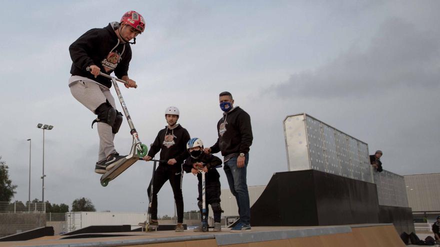 El Diverse Scooter Team estrena al  fin en Sagunt el  esperado skatepark