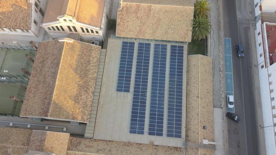 El Ayuntamiento de Alcoy finaliza una nueva instalación fotovoltaica en un edificio municipal