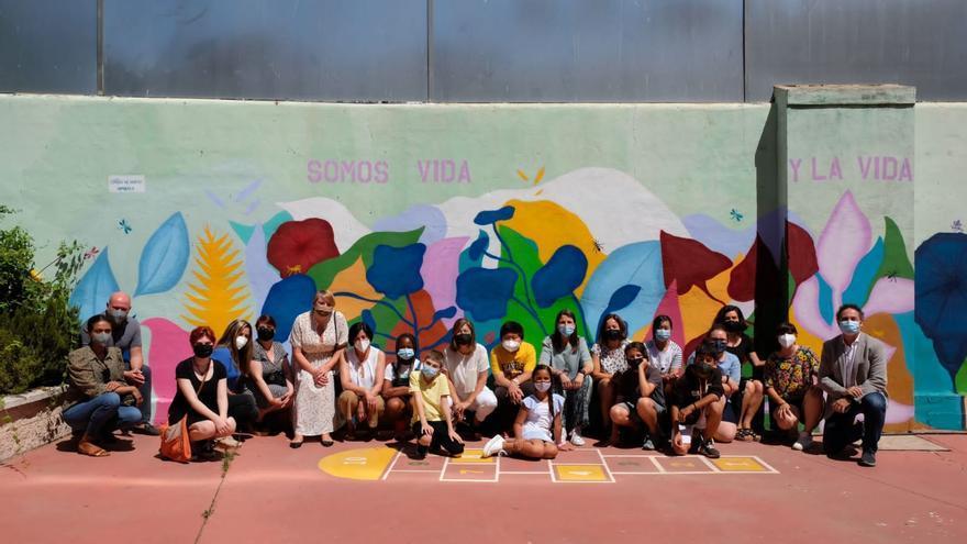 El San José de Calasanz inaugura dos murales para promover el respeto al medio ambiente y el cuidado del colegio