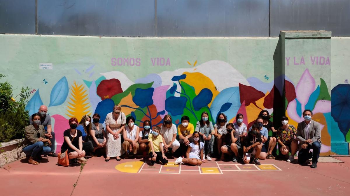 Inauguración del mural interior del colegio San José de Calasanz.