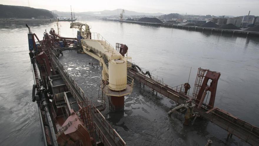 El Puerto aprueba contratar un dragado de mantenimiento de la ría, presupuestado en 2,2 millones