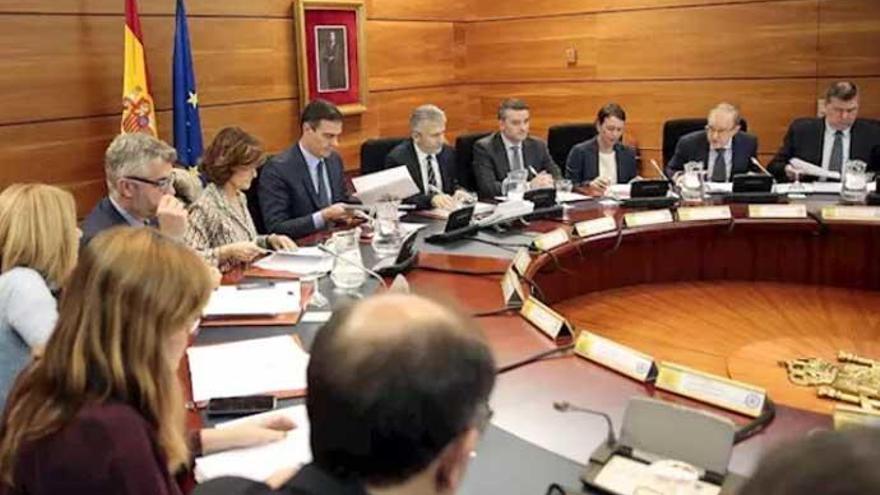 Reunión en Moncloa presidida por Pedro Sánchez.