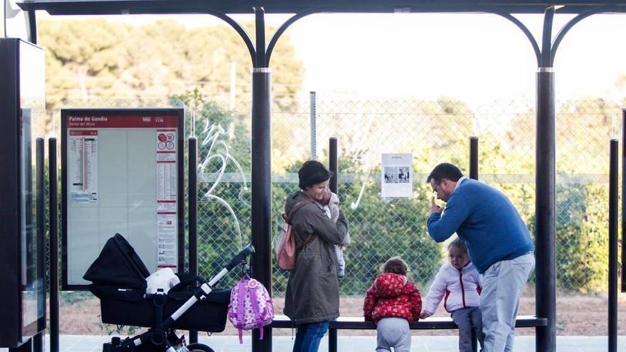 Un total de 220 familias murcianas disfrutan ya de las ayudas de conciliación