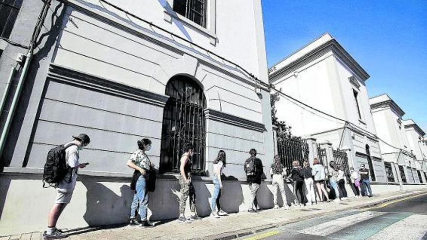 La dirección del IES Cabrera Pinto tenía  autorización para ofrecer clases virtuales