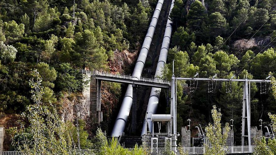 El Gobierno «reabre» el trasvase pero recorta un 35% el agua de octubre