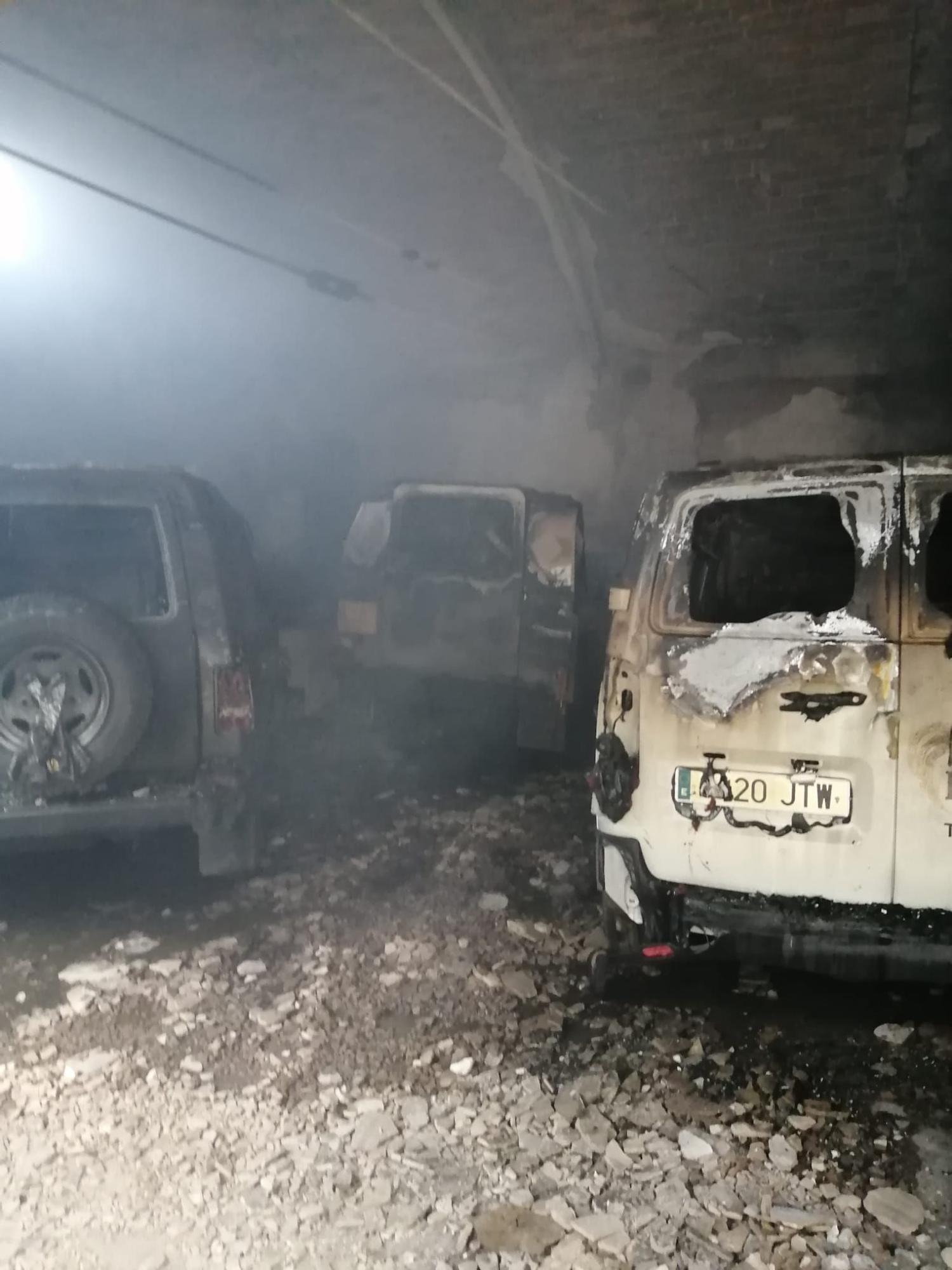 Incendio en el garaje de una panadería de Colloto