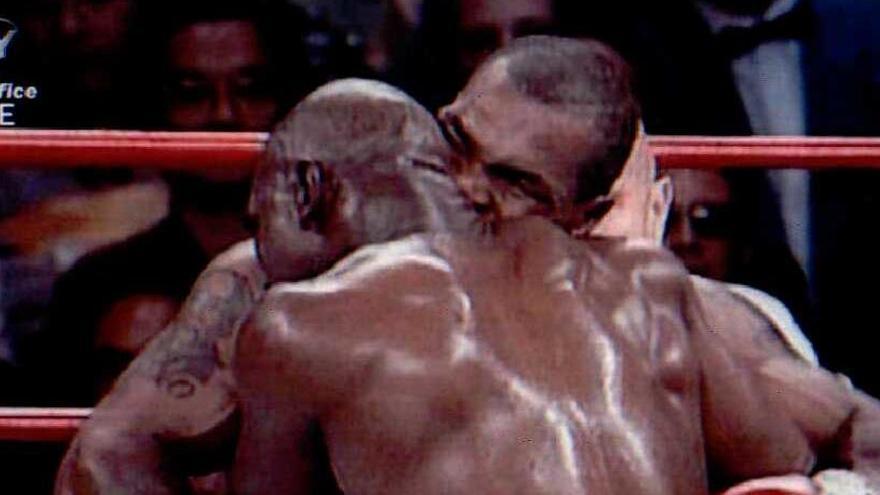 Holyfield se ofrece para volver a pelear contra Tyson