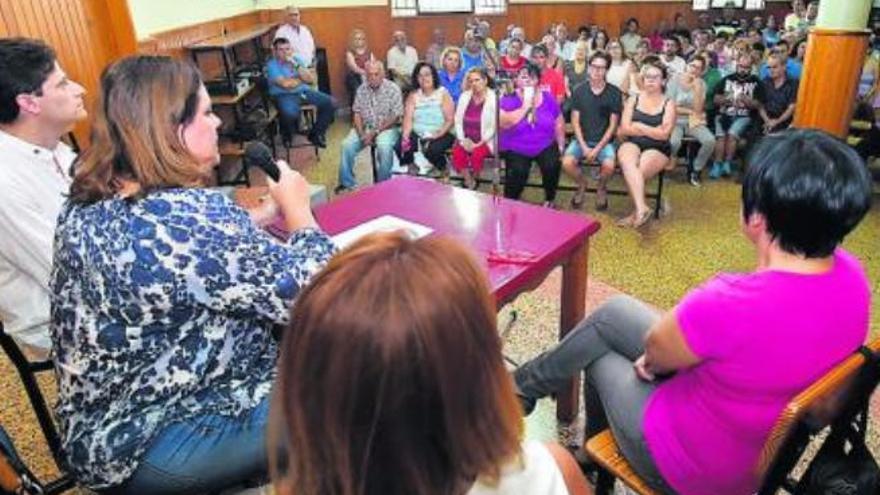 Gesplan inicia una campaña informativa en Ojos de Garza para el realojo de los vecinos