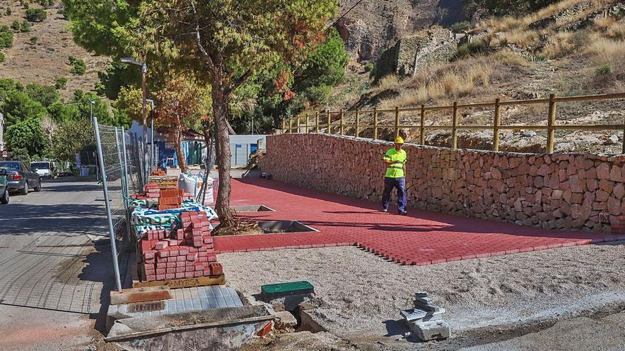 Más iluminación y aceras anchas para revitalizar los barrios desfavorecidos