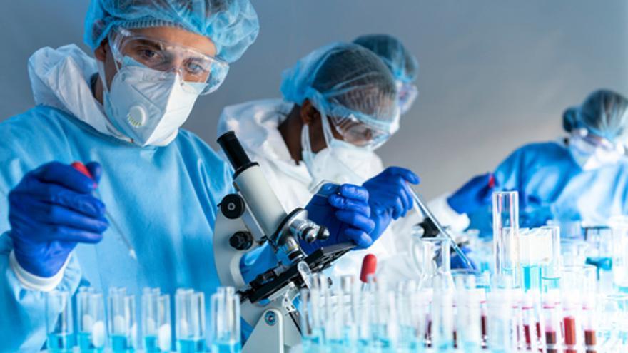 Se buscan biólogos, farmacéuticos  y técnicos de laboratorio para detectar casos de covid en el aeropuerto de Ibiza