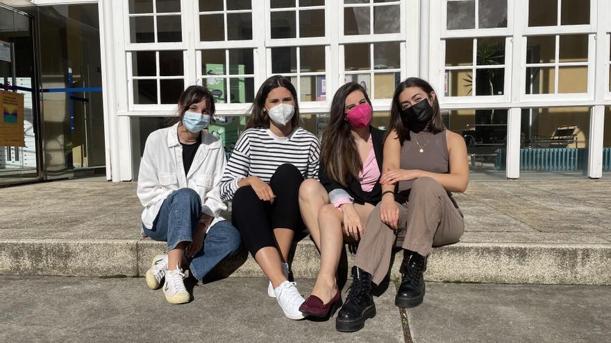 Alumnas del grado de Moda de la UDC presentan sujetadores 'sexy' para mujeres que superaron un cáncer de mama