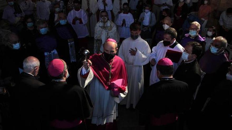 """El nuevo obispo de la Diócesis de Astorga reprueba """"cualquier tipo de abuso"""" en su toma posesión"""