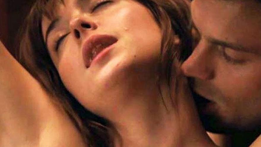 Jamie Dornan revela qué le susurra a Dakota Johnson en las escenas de sexo