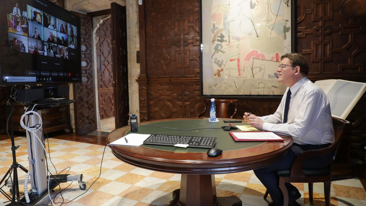 Puig, durante el encuentro de esta mañana con expertos.