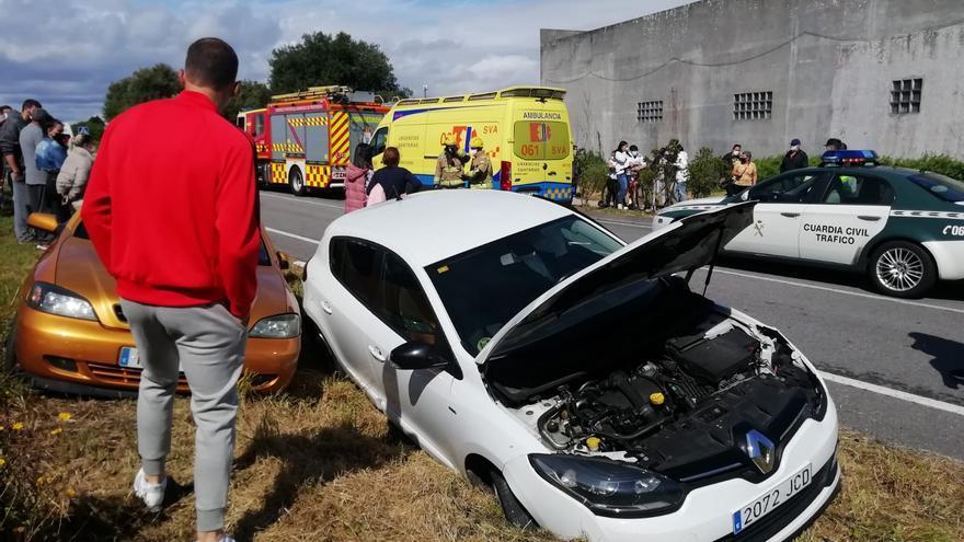 Varios vehículos implicados en un accidente de tráfico en el vial de O Xufre