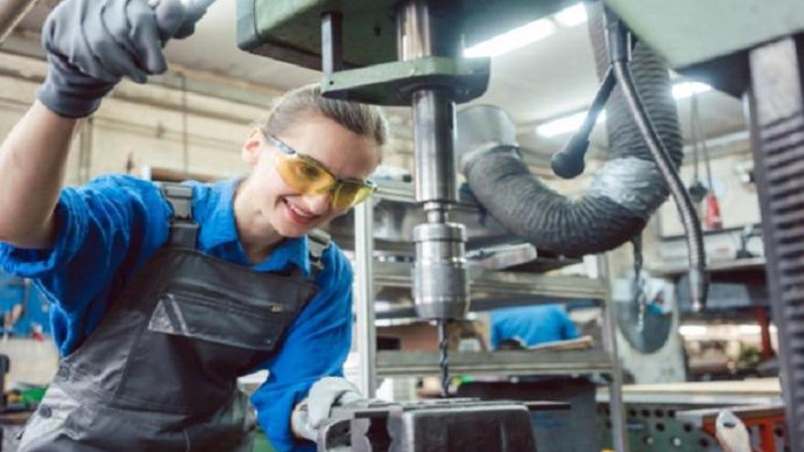 Se ofrecen puestos técnicos y de producción en importantes empresas de Valencia