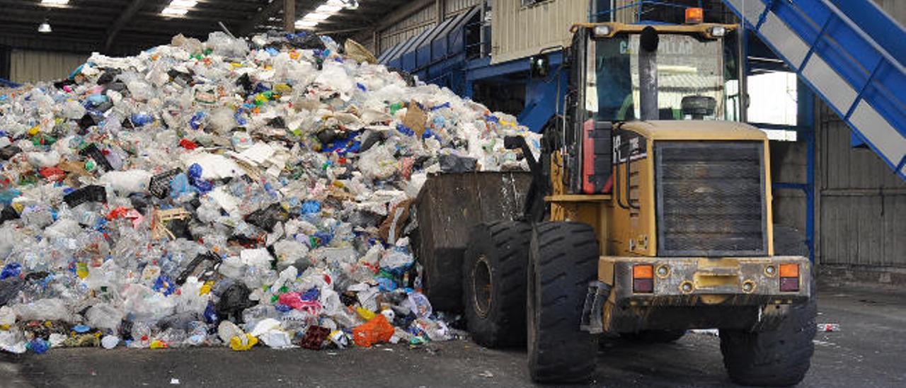 Planta de reciclaje de envases ligeros en el ecoparque Norte de Gran Canaria.