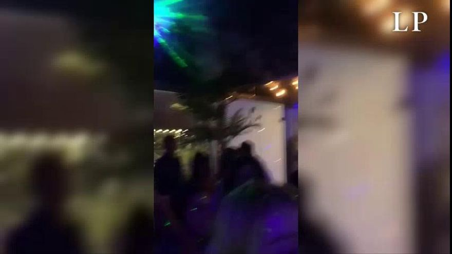 Denuncian a una discoteca de Lanzarote por permitir bailes y superar el aforo