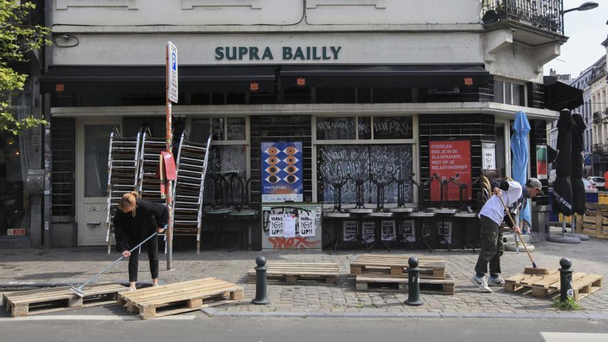 Bélgica pone fin al toque de queda y reabre las terrazas