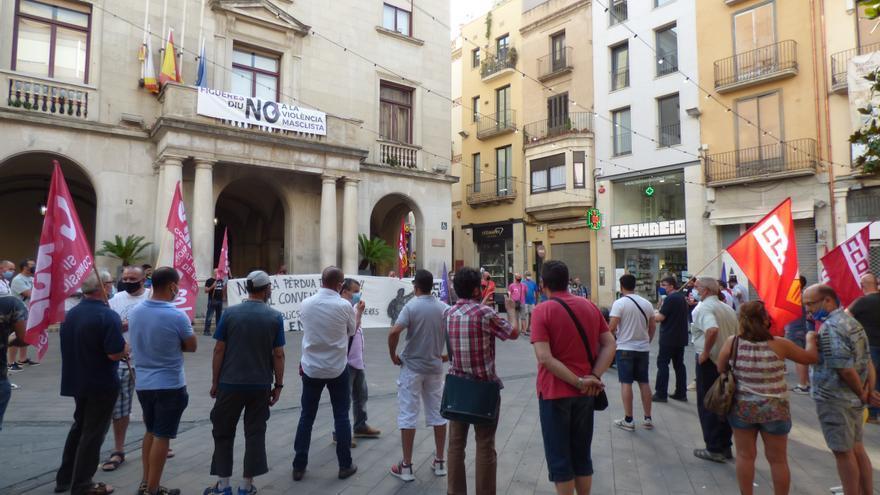 Nova protesta dels treballadors del manteniment públic de Figueres el 17 d'agost