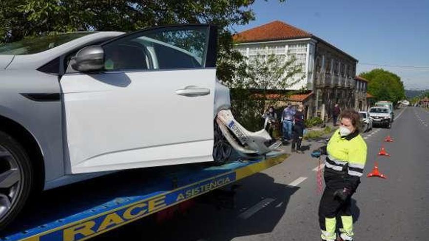 Una colisión por alcance en la parroquia lalinense de Prado se salda con una herida
