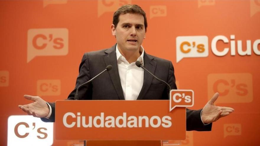 """Rivera pide al Gobierno que no se """"vuelva a equivocar"""" y evite un referéndum"""