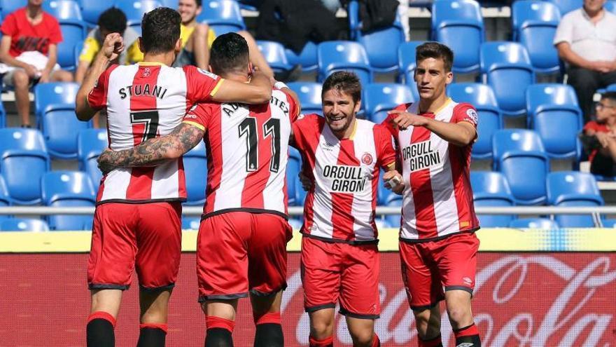 El Girona vence en el adiós de Las Palmas de Primera