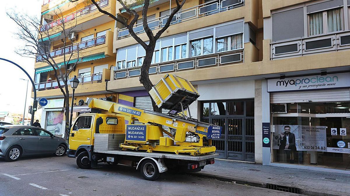 Lugar donde se produjo el accidente ayer, en el barrio de San Isidro. | JOSÉ MANUEL LÓPEZ