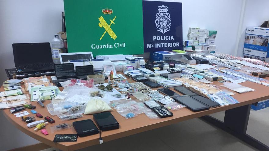 Desarticulado un grupo que vendía fármacos en el mercado ilegal desde las Rías Baixas, Murcia y Andalucía