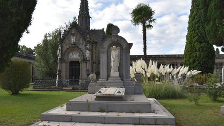 Manresa Turisme torna a programar visites guiades per descobrir el patrimoni artístic del cementiri